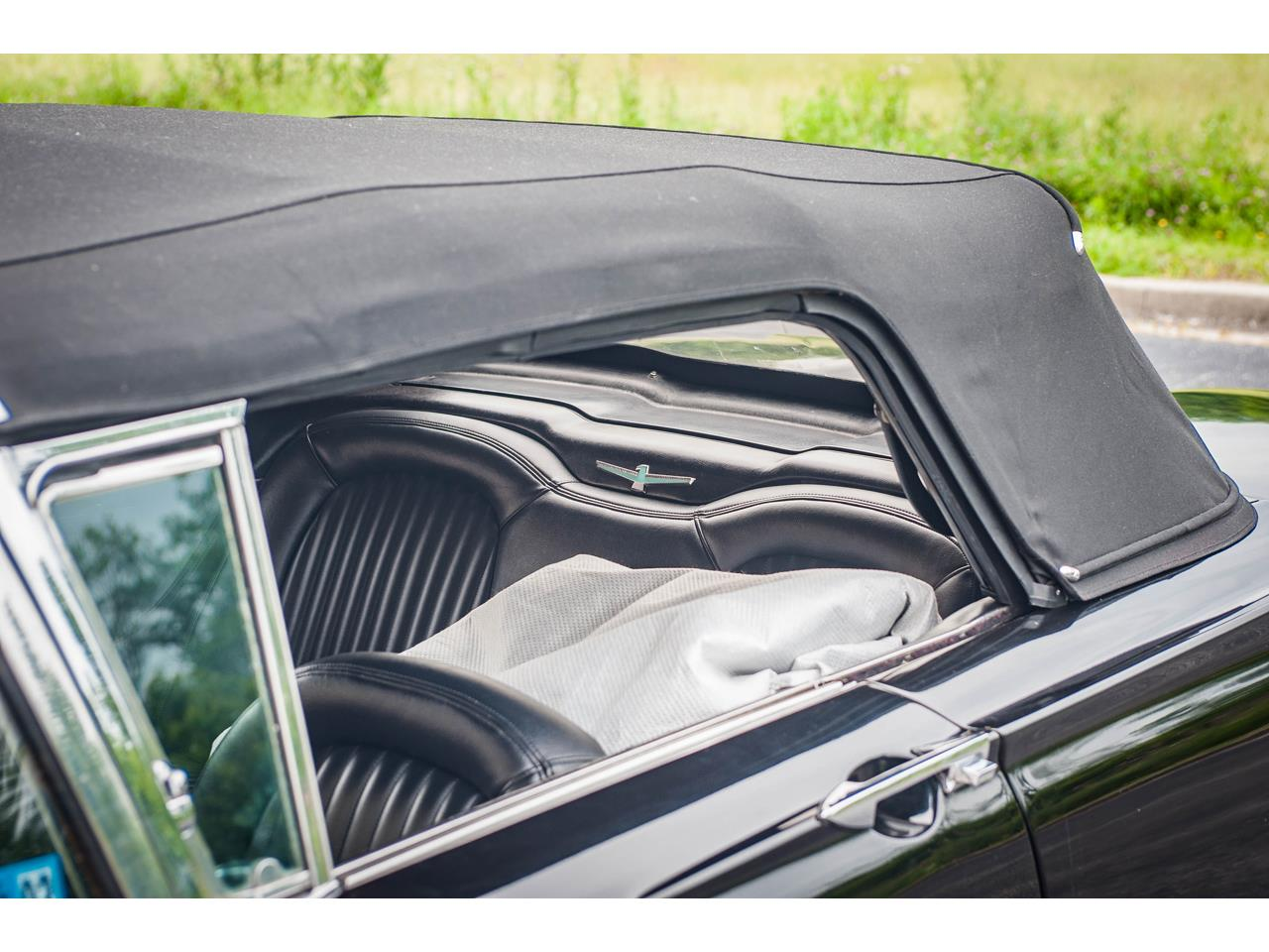 Large Picture of Classic 1960 Thunderbird - QB9W