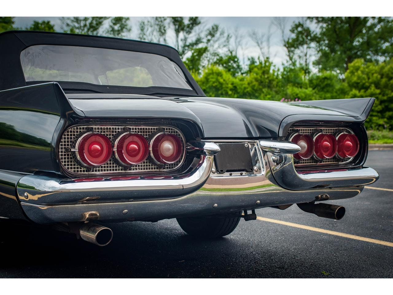 Large Picture of '60 Thunderbird located in Illinois Offered by Gateway Classic Cars - St. Louis - QB9W