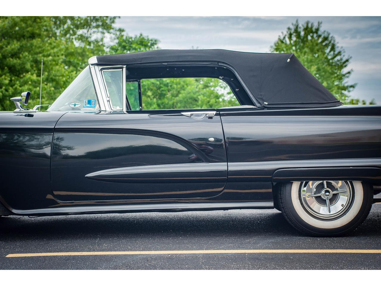 Large Picture of Classic '60 Thunderbird - QB9W