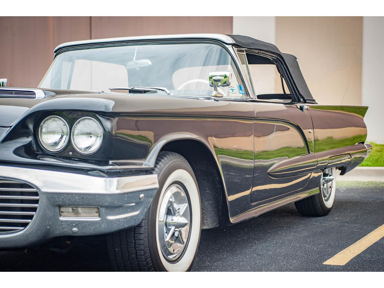 Large Picture of Classic 1960 Ford Thunderbird - $40,500.00 Offered by Gateway Classic Cars - St. Louis - QB9W