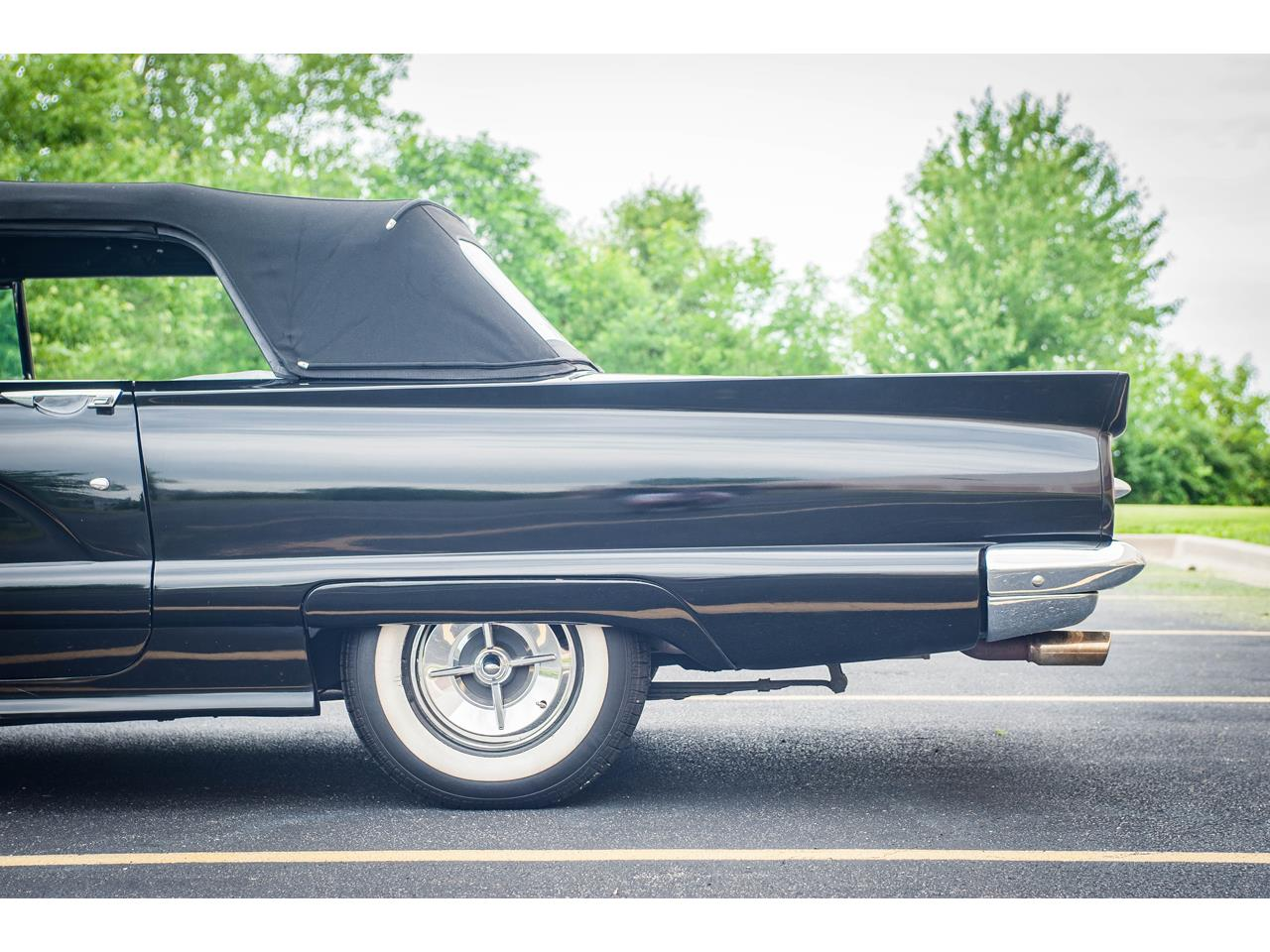 Large Picture of Classic 1960 Ford Thunderbird Offered by Gateway Classic Cars - St. Louis - QB9W