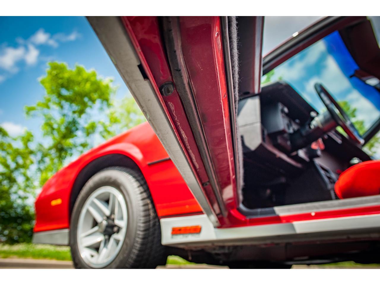 Large Picture of 1984 Chevrolet Camaro located in O'Fallon Illinois - QB9Y