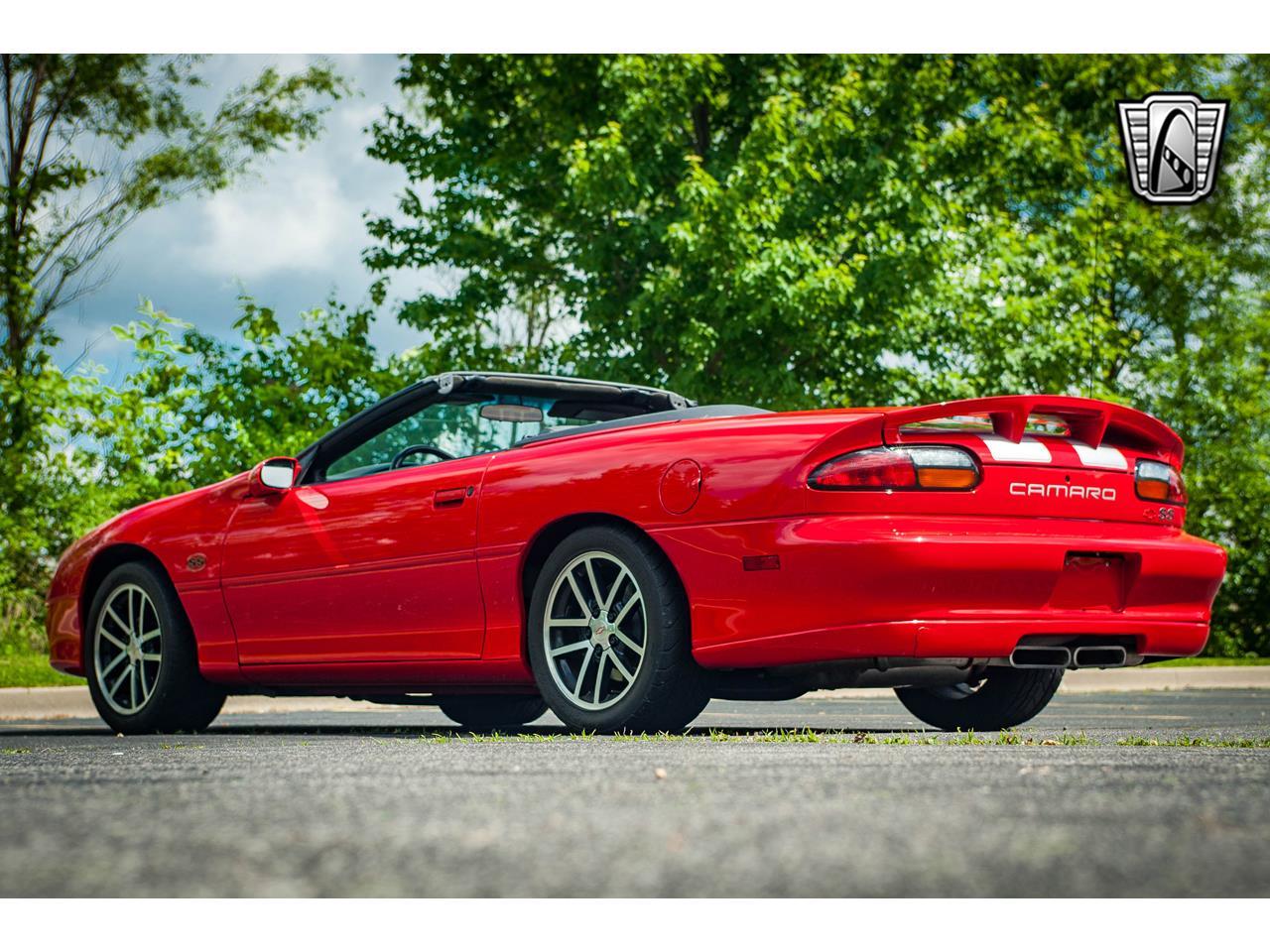 Large Picture of 2002 Chevrolet Camaro located in O'Fallon Illinois - QB9Z