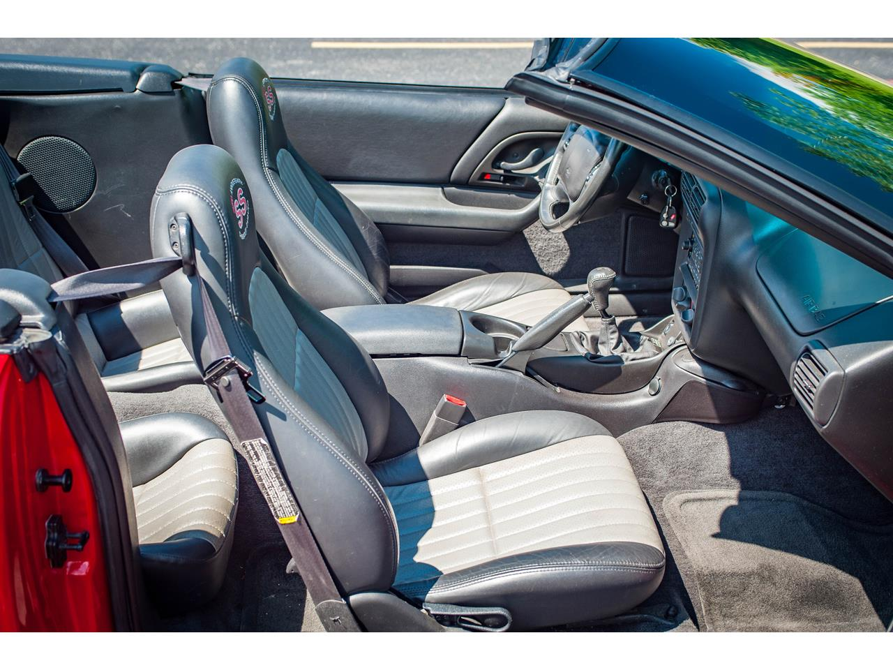 Large Picture of 2002 Camaro located in O'Fallon Illinois Offered by Gateway Classic Cars - St. Louis - QB9Z