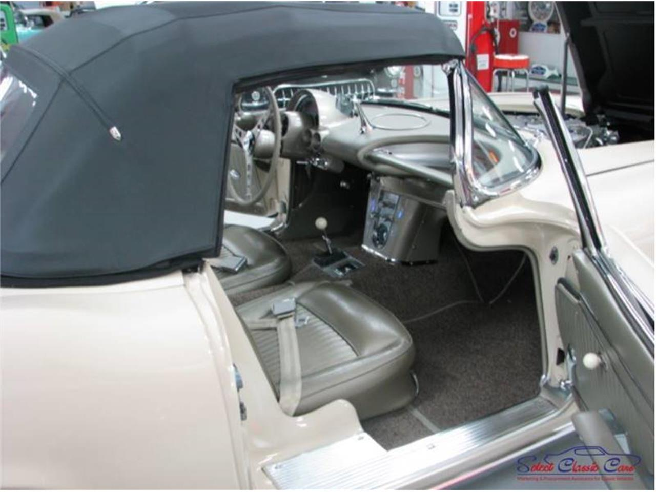 Large Picture of Classic 1962 Chevrolet Corvette - $100,000.00 Offered by Select Classic Cars - QBDD