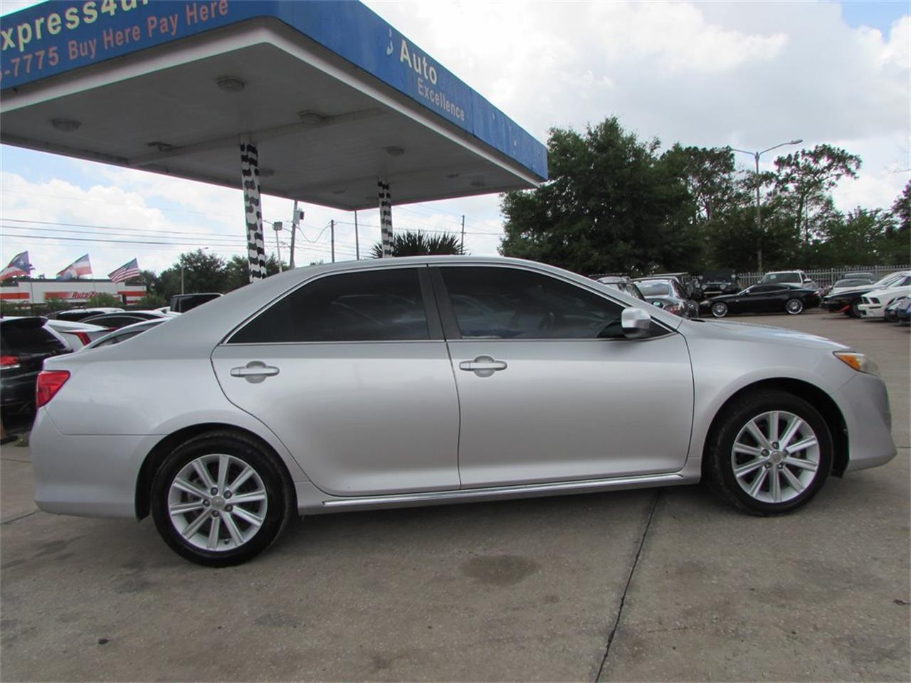 Large Picture of 2012 Toyota Camry Offered by Auto Express - QBF0
