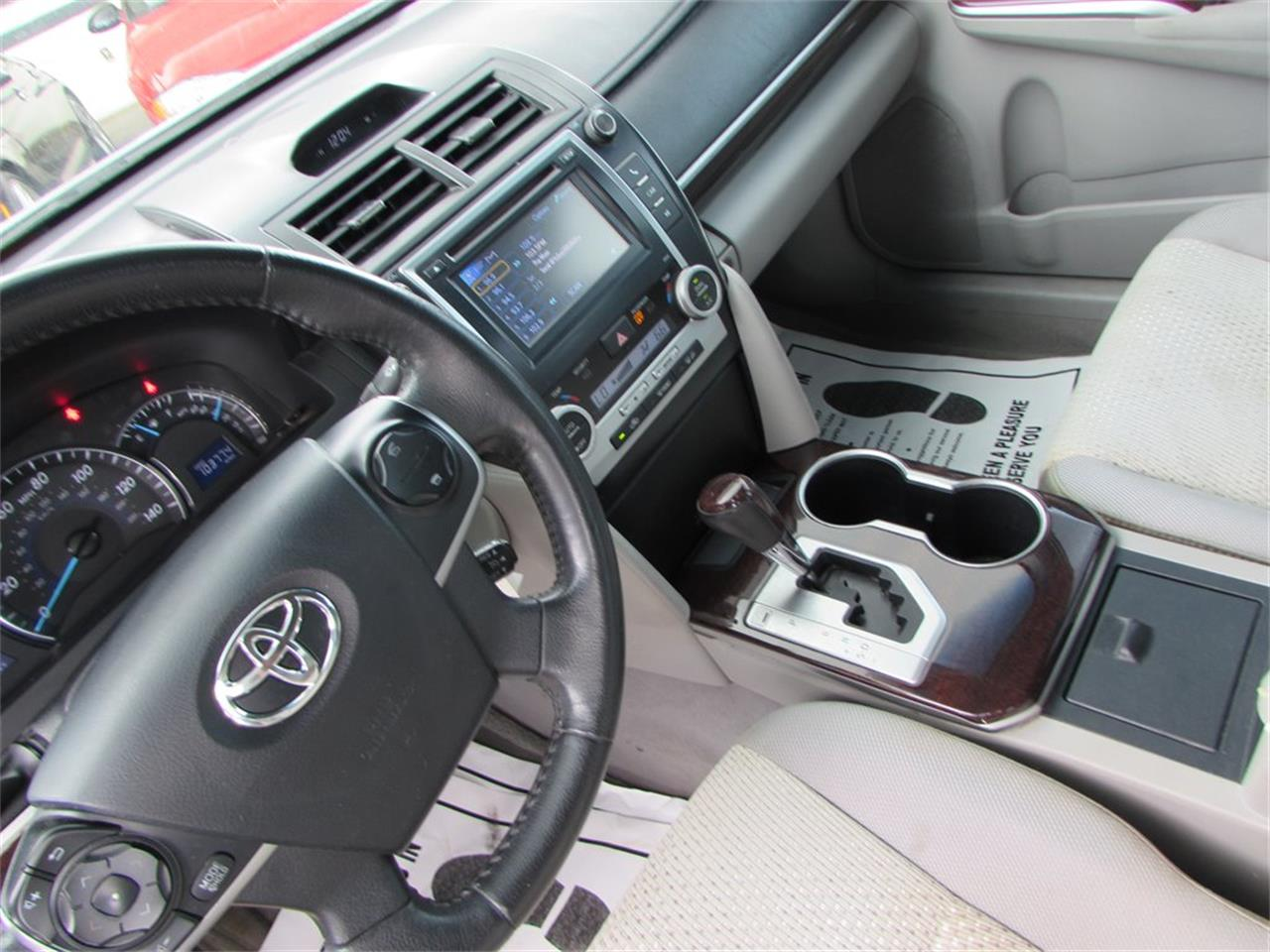 Large Picture of 2012 Toyota Camry located in Orlando Florida - QBF0