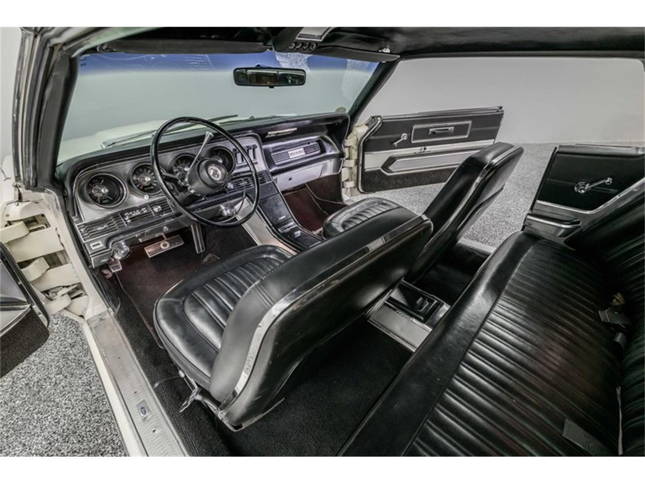 Large Picture of Classic '67 Thunderbird - QBO9
