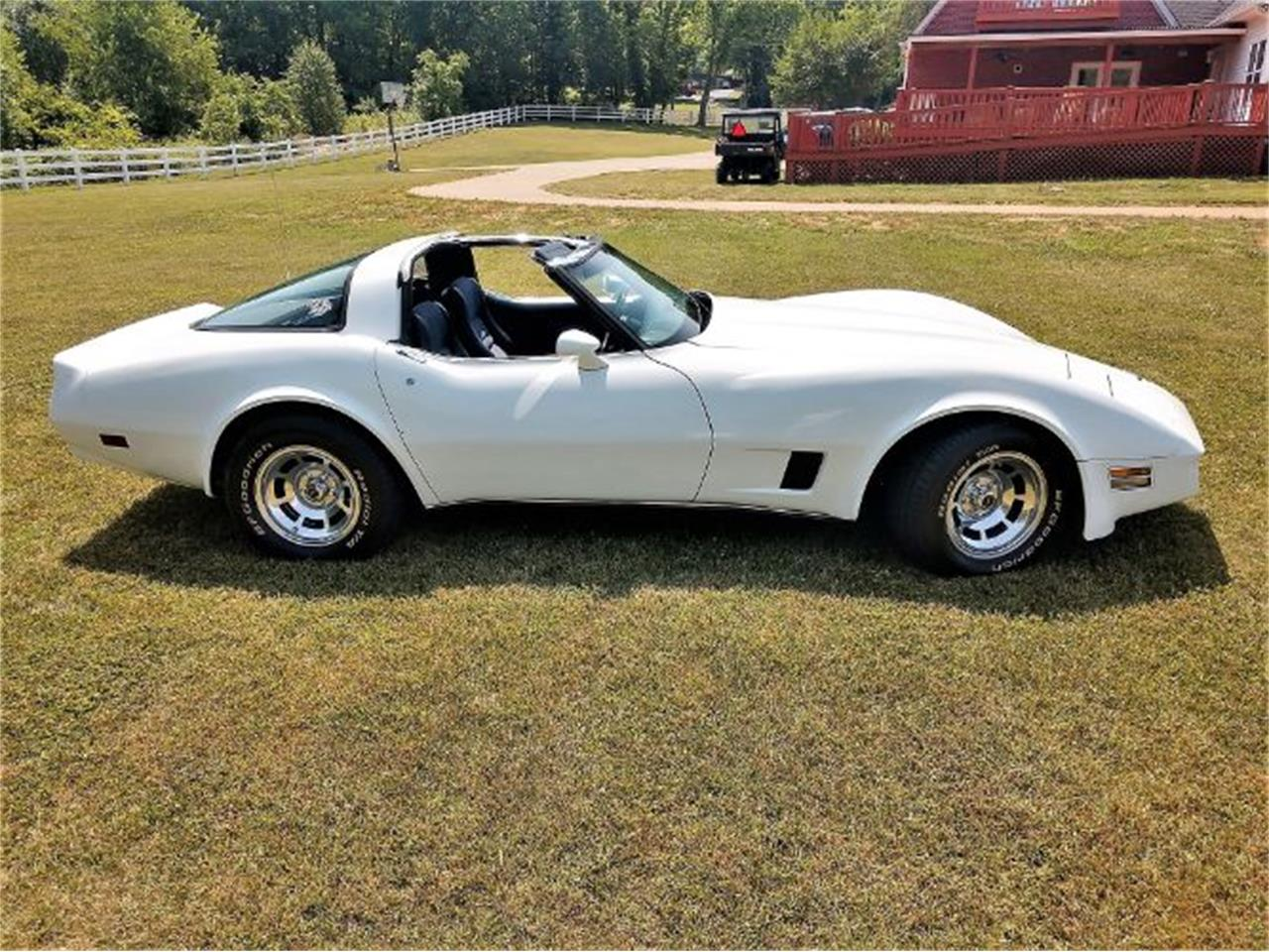 Large Picture of '80 Corvette - QBRJ