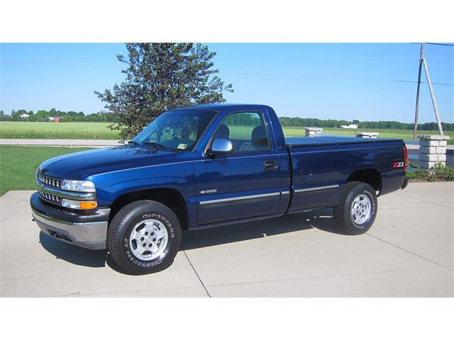 Picture of '02 Chevrolet Silverado located in Mill Hall Pennsylvania Auction Vehicle - QBTH