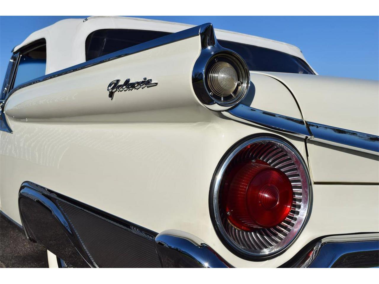 Large Picture of Classic '59 Ford Galaxie - QBU4