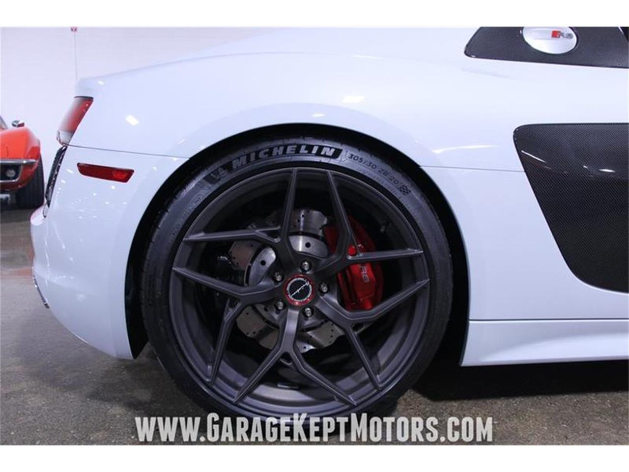 Large Picture of '17 Audi R8 located in Michigan Offered by Garage Kept Motors - QBYC