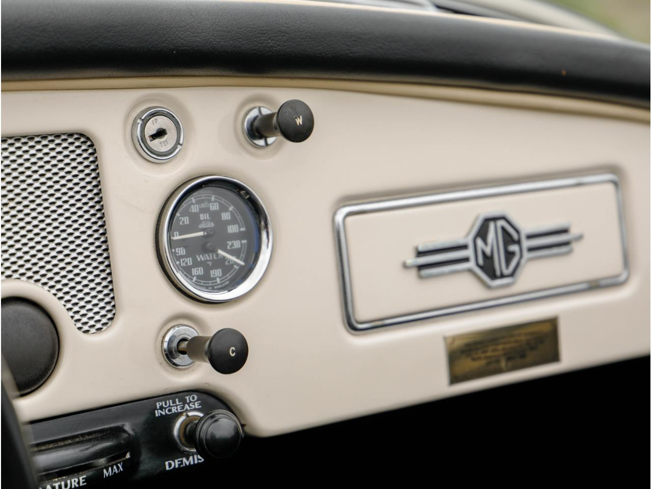 Large Picture of '60 MGA - QC1W