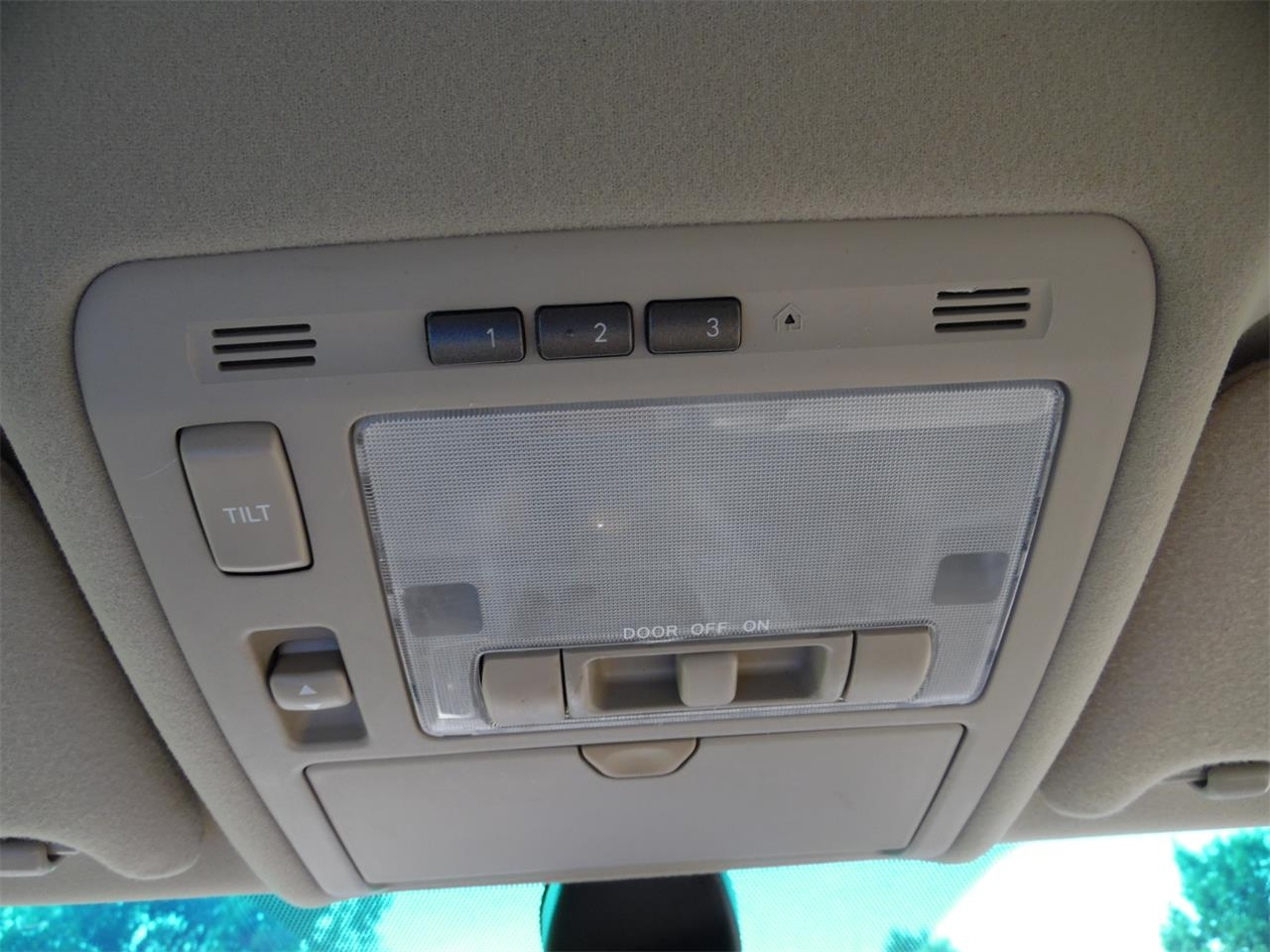 Large Picture of 2005 RX330 located in Kentucky - QC3R