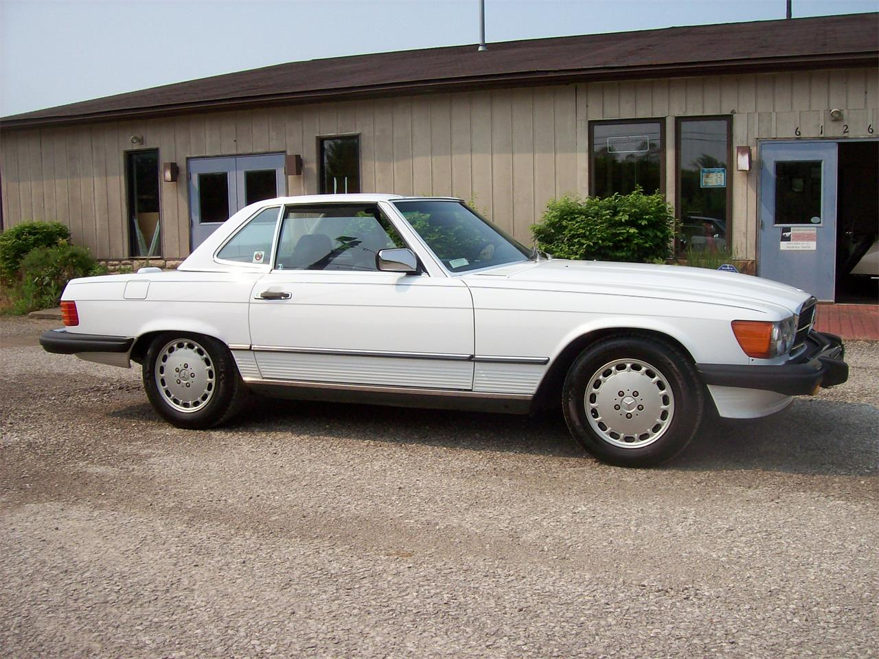 Large Picture of '88 560SL located in Ohio Offered by Historical Motors - QC4P