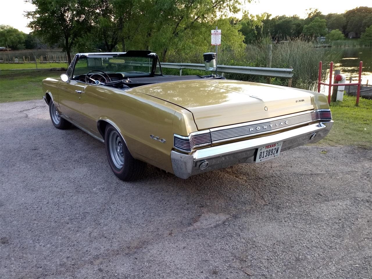Large Picture of Classic '65 Pontiac GTO - QC61