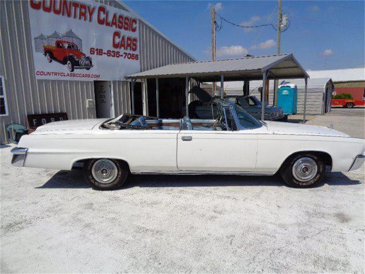 Large Picture of Classic '66 Chrysler Imperial Crown located in Illinois - QC77