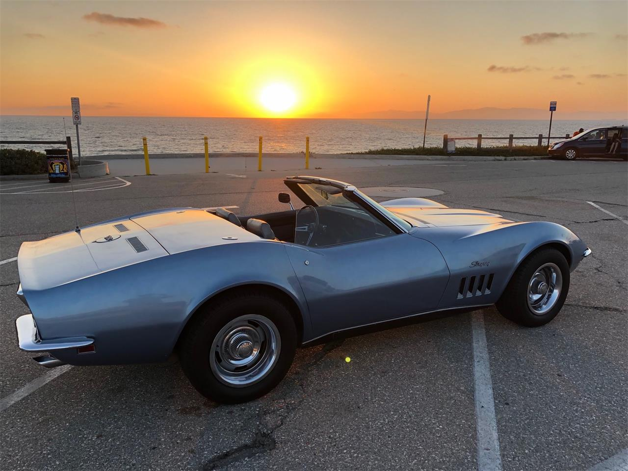 Large Picture of '69 Corvette - QCCH