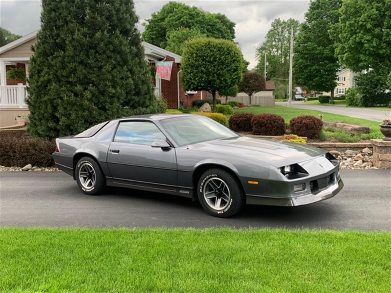 Large Picture of '86 Camaro Z28 - QCEV
