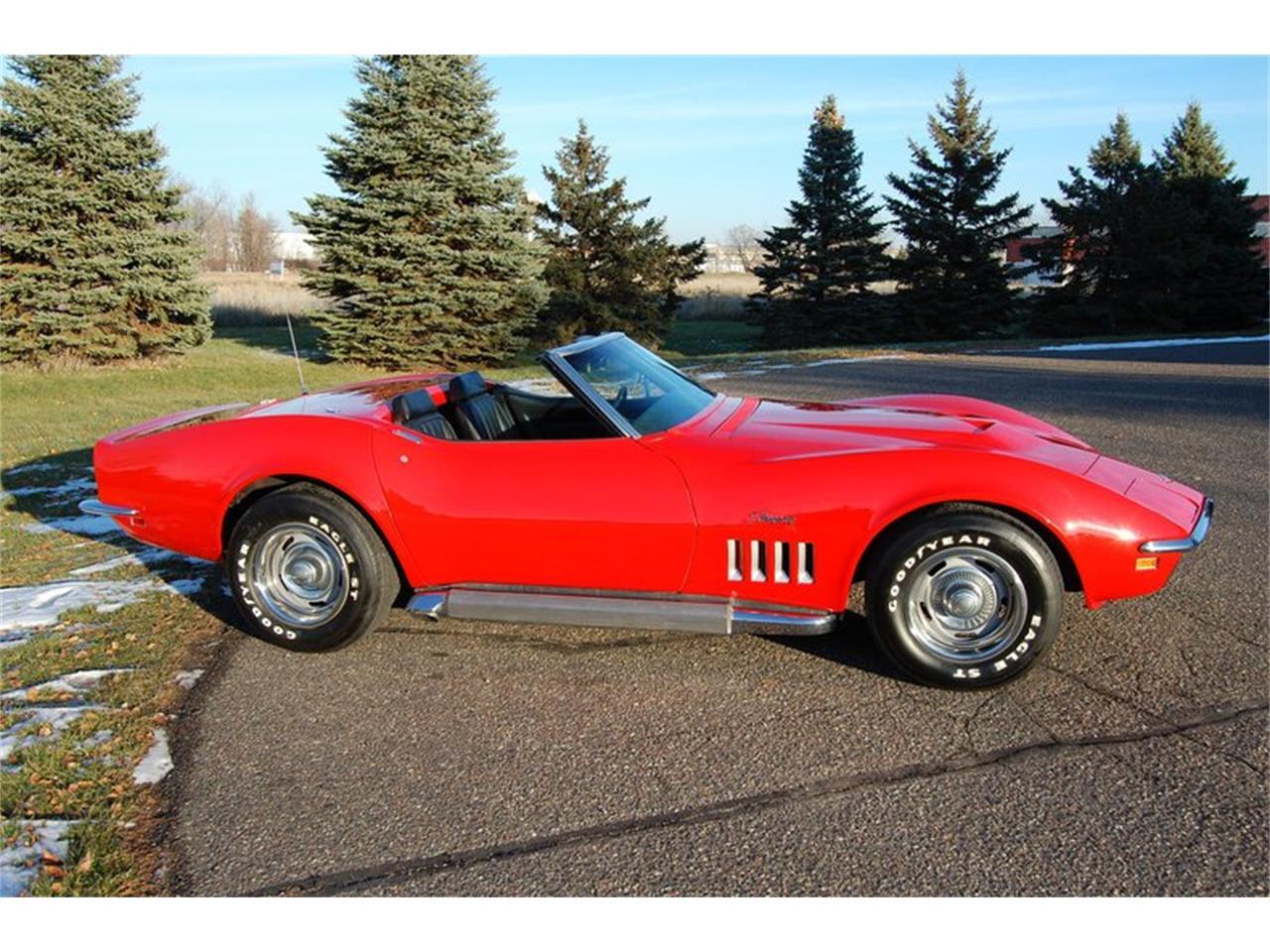 Large Picture of '69 Corvette - QCHU