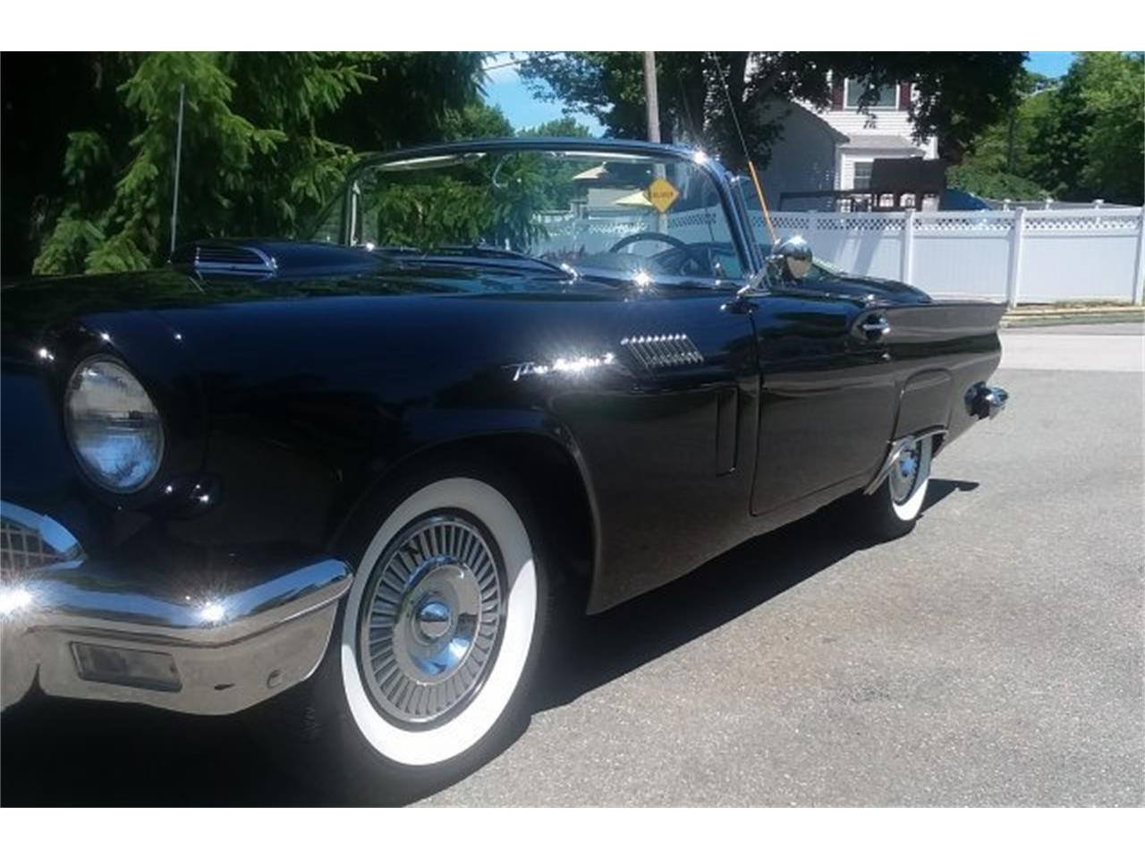 Large Picture of '57 Thunderbird - QCOE