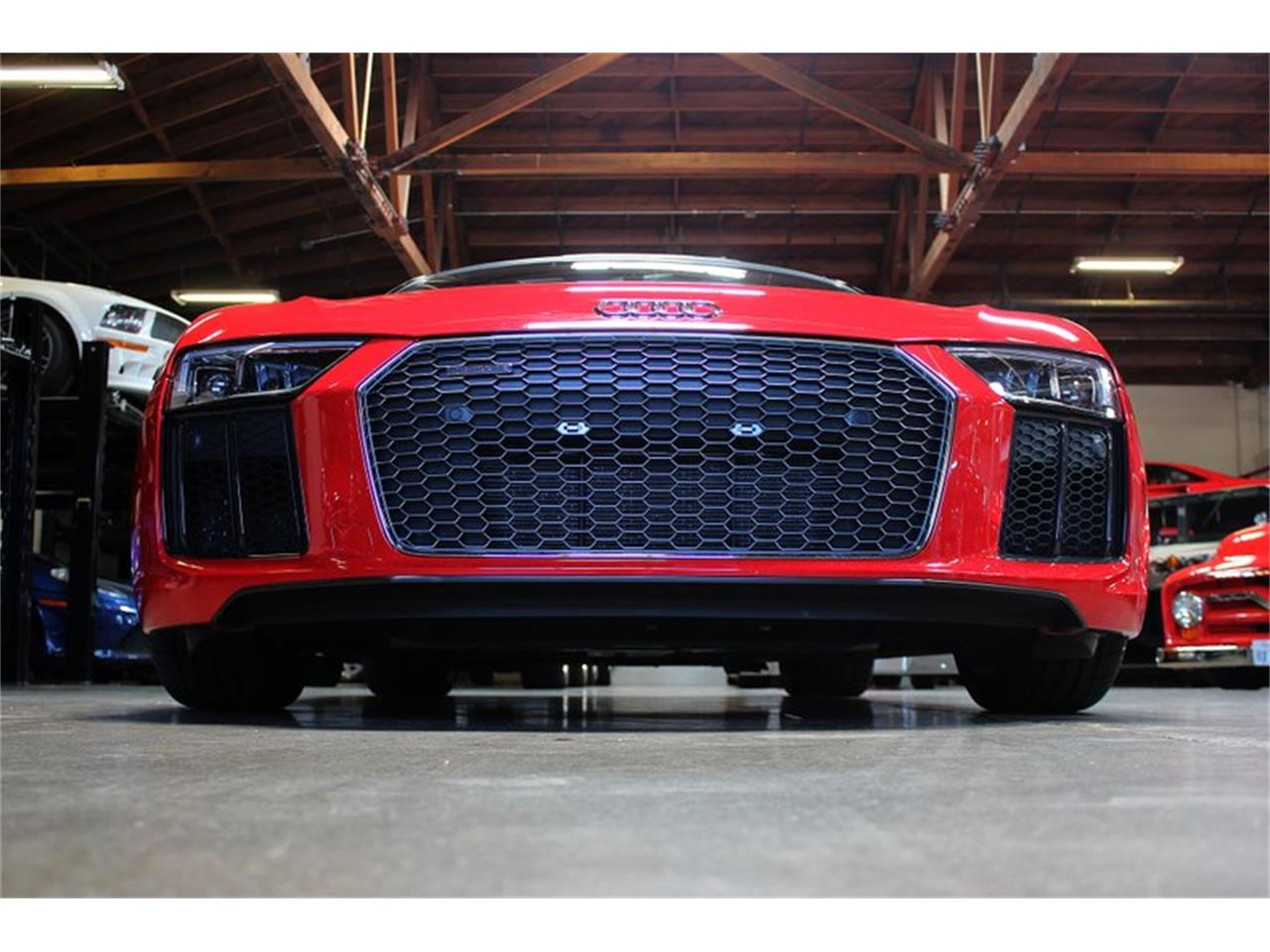 Large Picture of '17 R8 - QCOX
