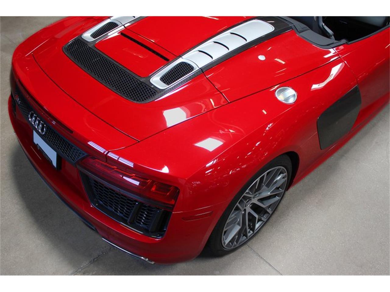 Large Picture of '17 Audi R8 located in San Carlos California - QCOX
