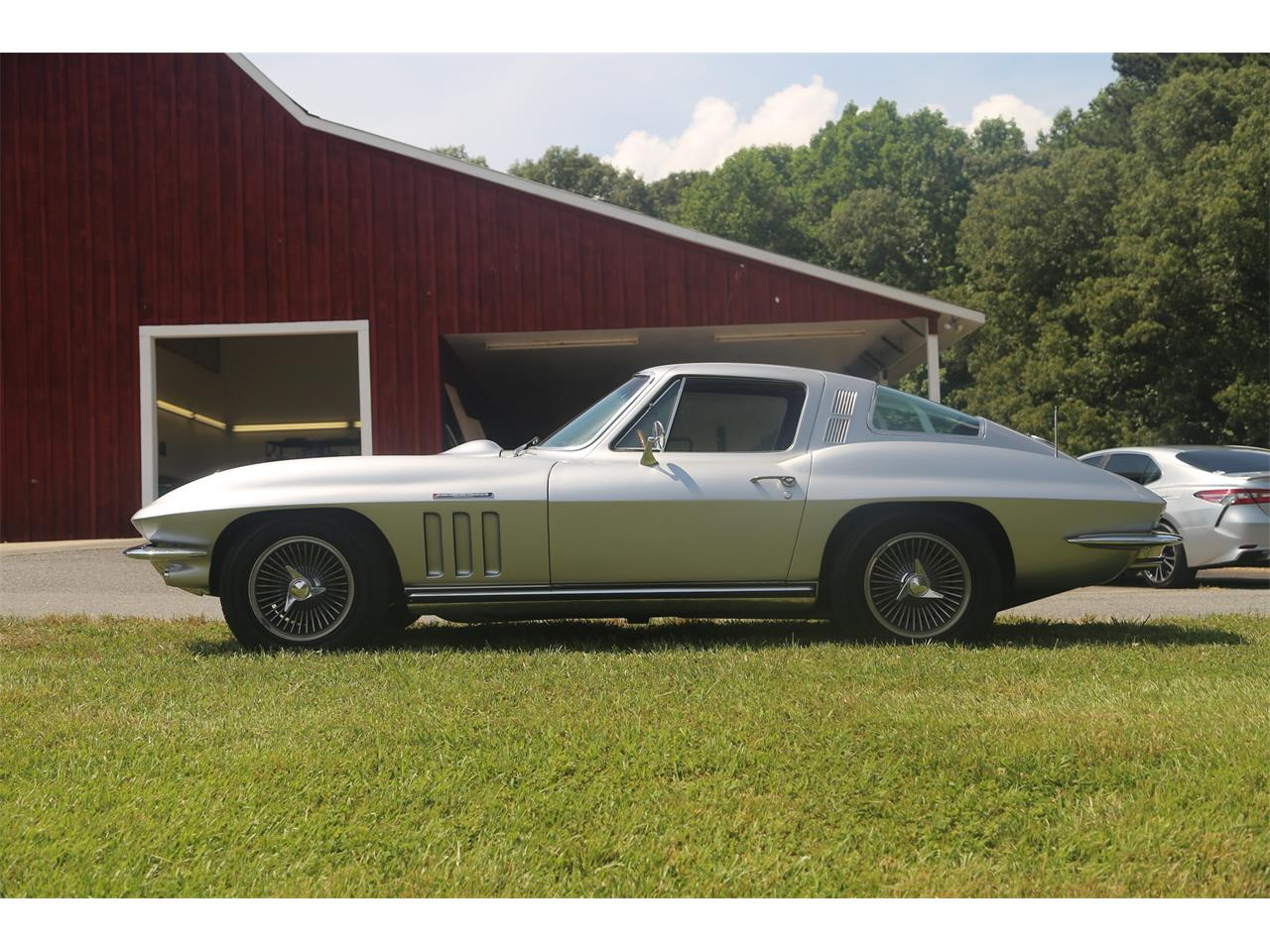Large Picture of 1965 Chevrolet Corvette Auction Vehicle Offered by Bullseye Auctions - QCTR