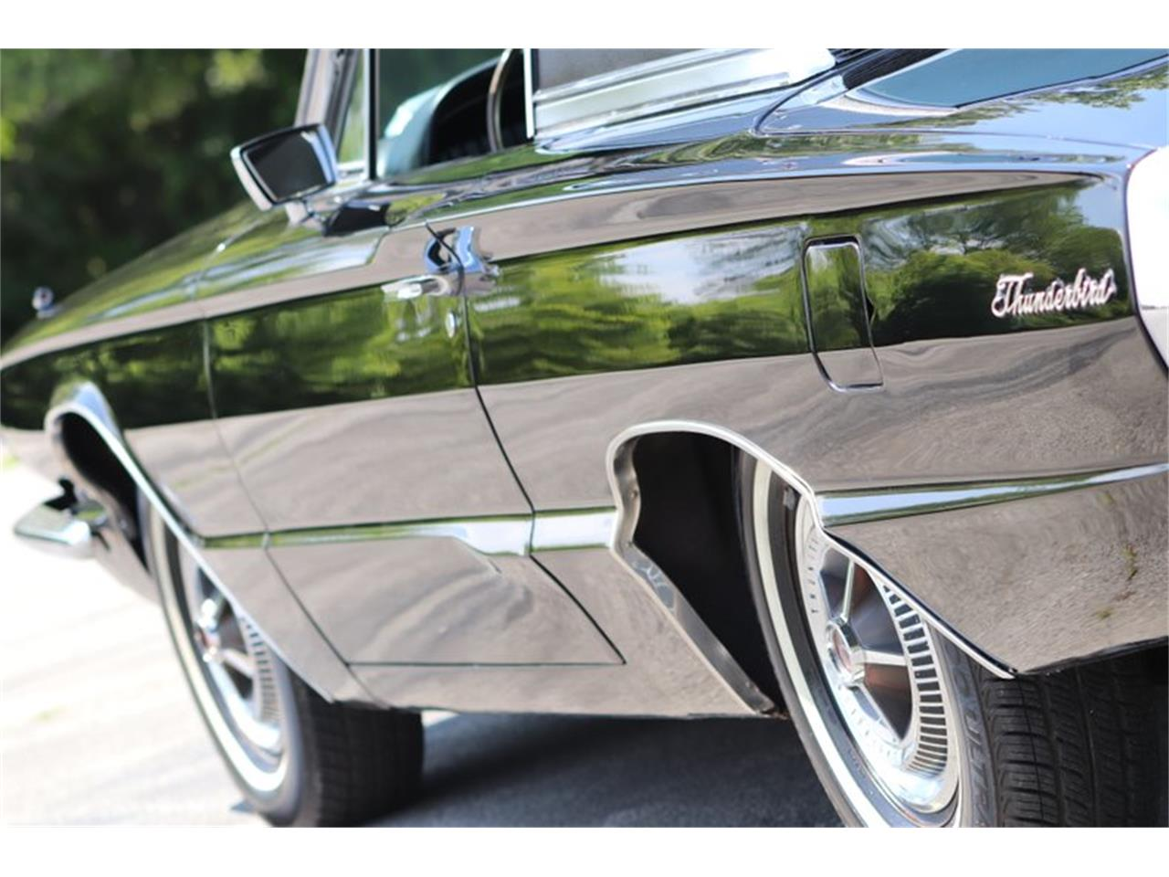 Large Picture of '66 Thunderbird - QCW3