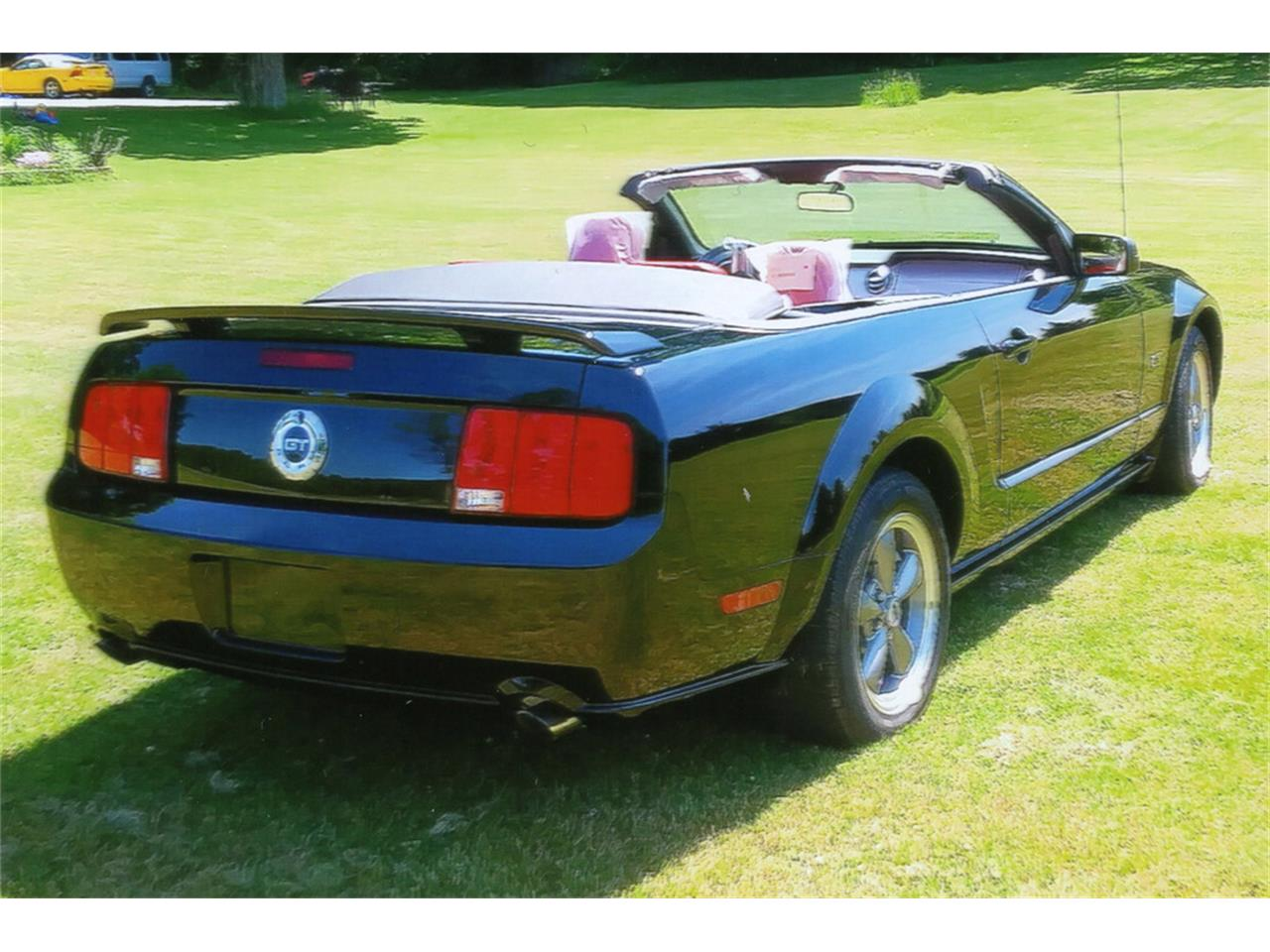 Large Picture of '05 Mustang GT - QCWF