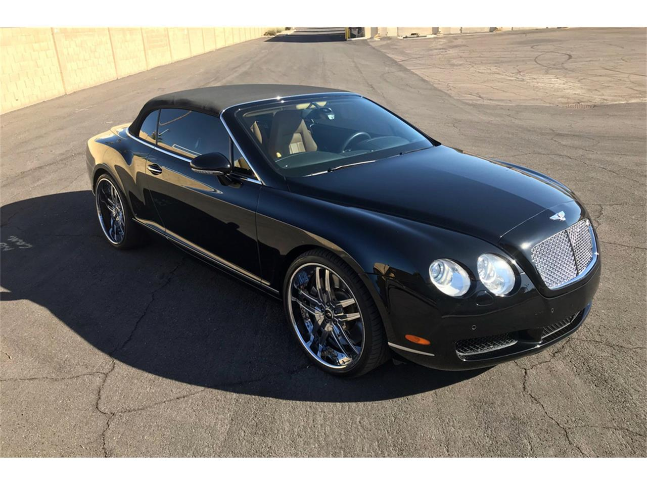 Large Picture of 2007 Continental GTC Auction Vehicle Offered by Barrett-Jackson - QCXB