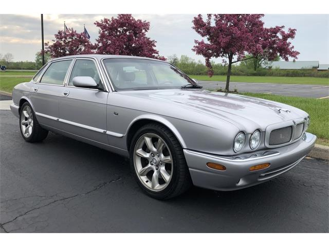 Picture of '00 Jaguar XJR located in New York Auction Vehicle Offered by  - QCY6
