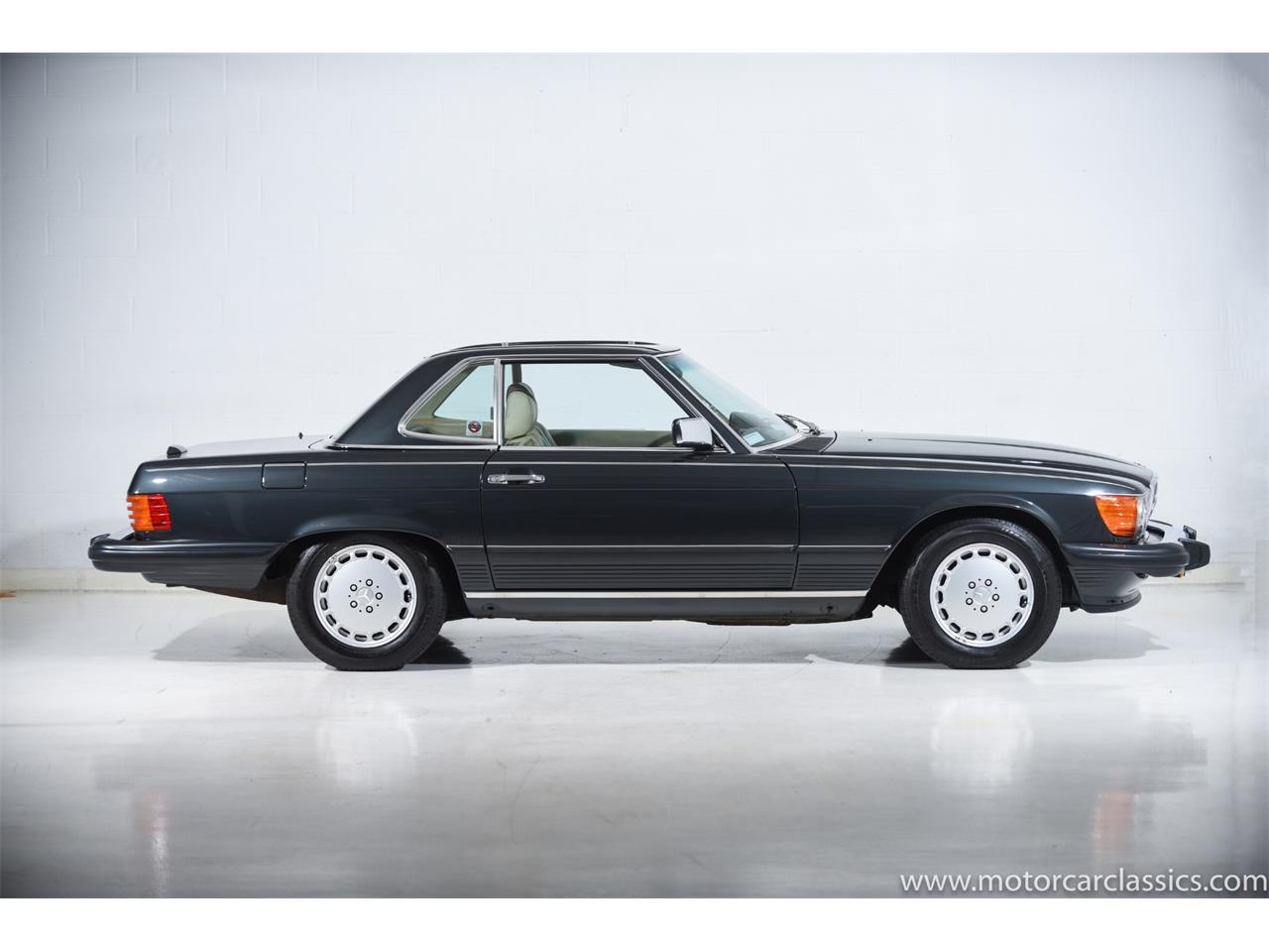 Large Picture of '89 Mercedes-Benz 560 - QCYV