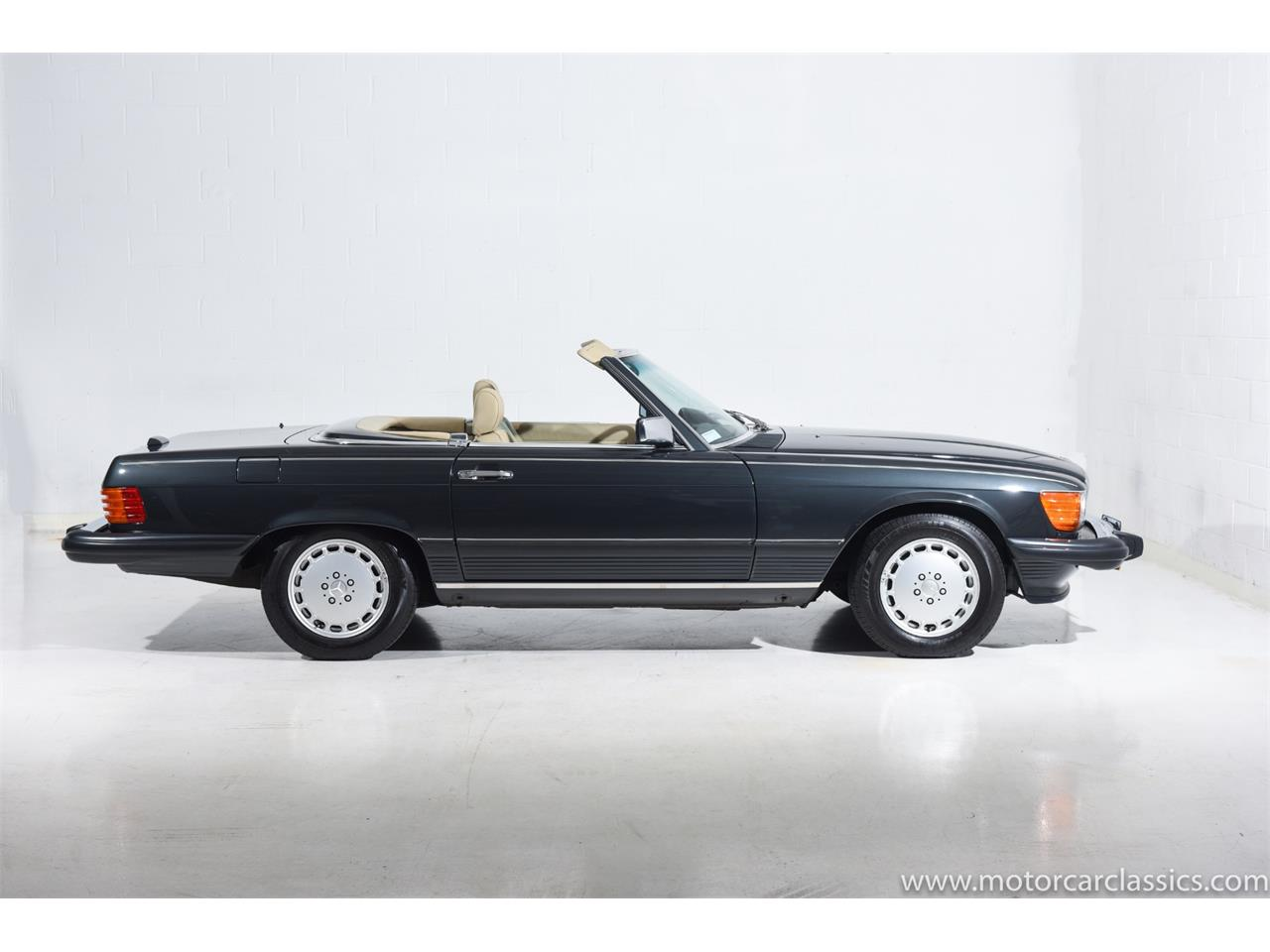 Large Picture of '89 Mercedes-Benz 560 located in Farmingdale New York Offered by Motorcar Classics - QCYV