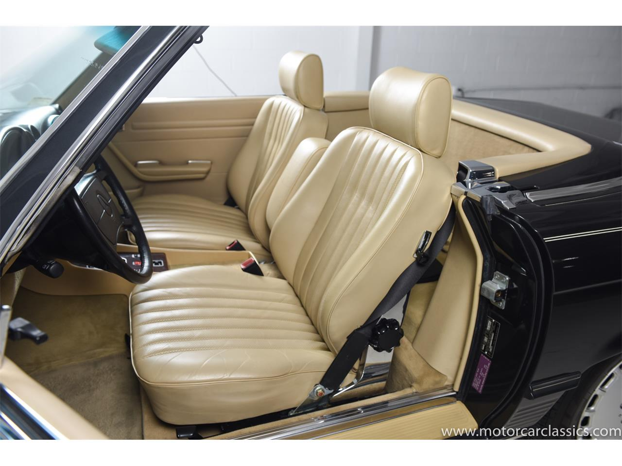 Large Picture of '89 Mercedes-Benz 560 located in New York Offered by Motorcar Classics - QCYV