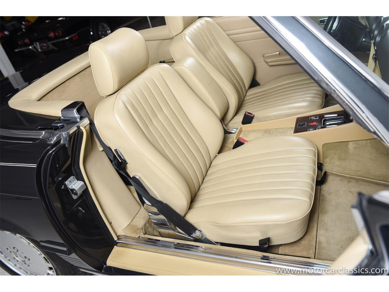 Large Picture of '89 560 located in Farmingdale New York Offered by Motorcar Classics - QCYV