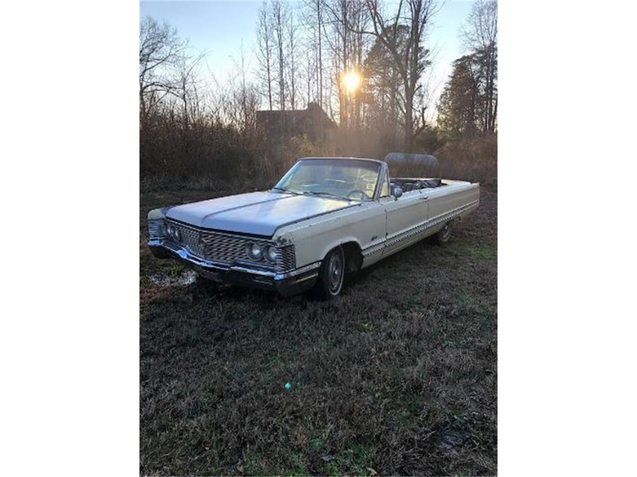 Large Picture of Classic 1968 Imperial located in Cadillac Michigan - $10,995.00 Offered by Classic Car Deals - QDW1