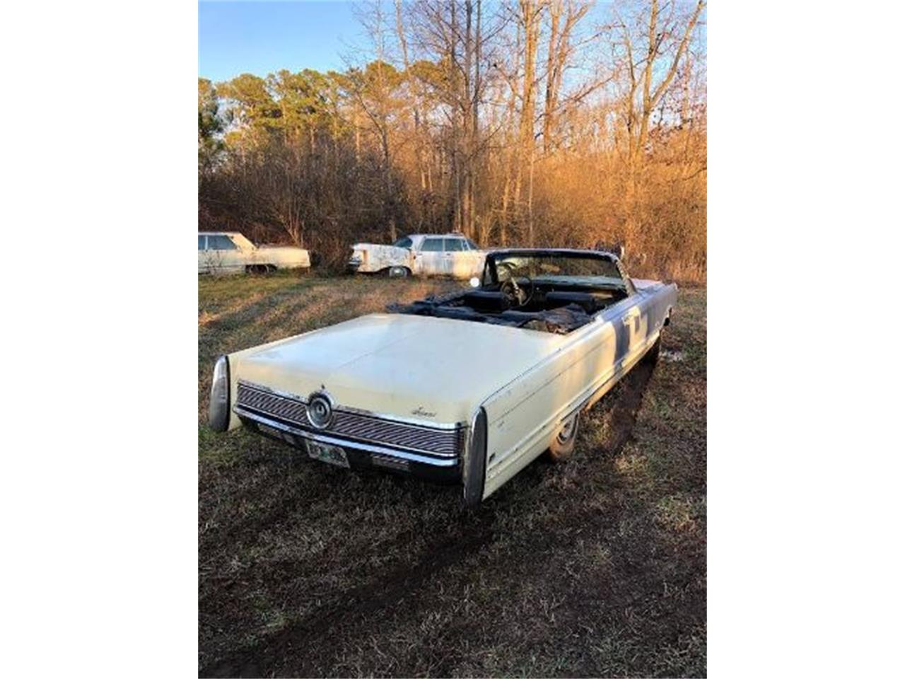 Large Picture of '68 Imperial located in Michigan Offered by Classic Car Deals - QDW1