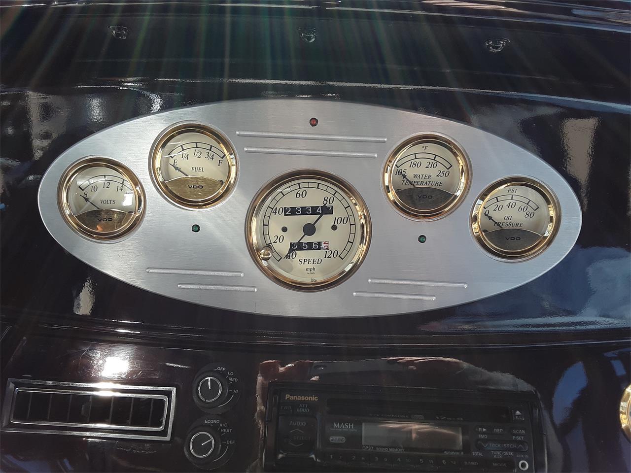 Large Picture of '33 4-Dr Sedan - QDXJ