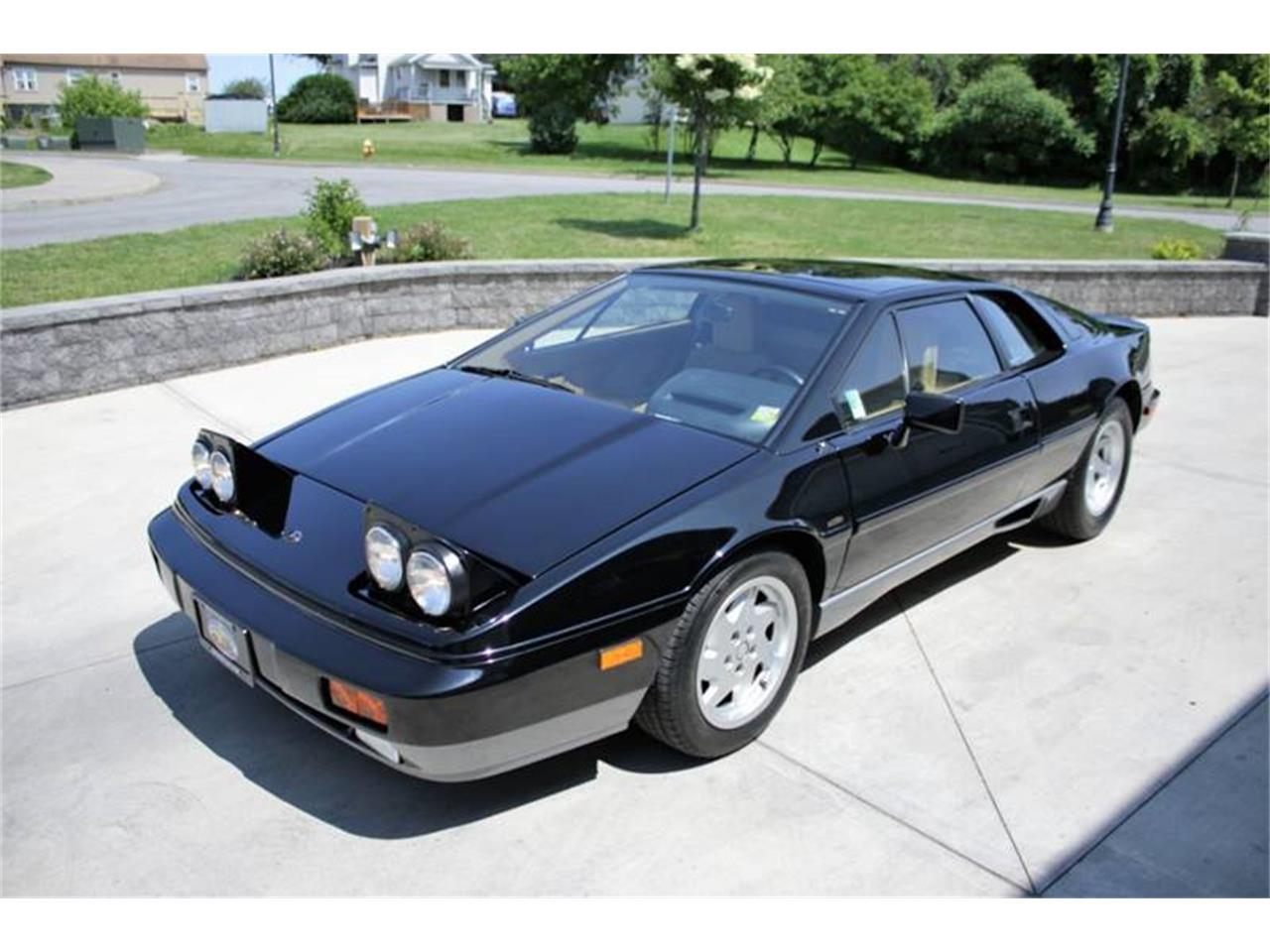 Large Picture of 1988 Esprit - $26,495.00 Offered by Great Lakes Classic Cars - QE3Z