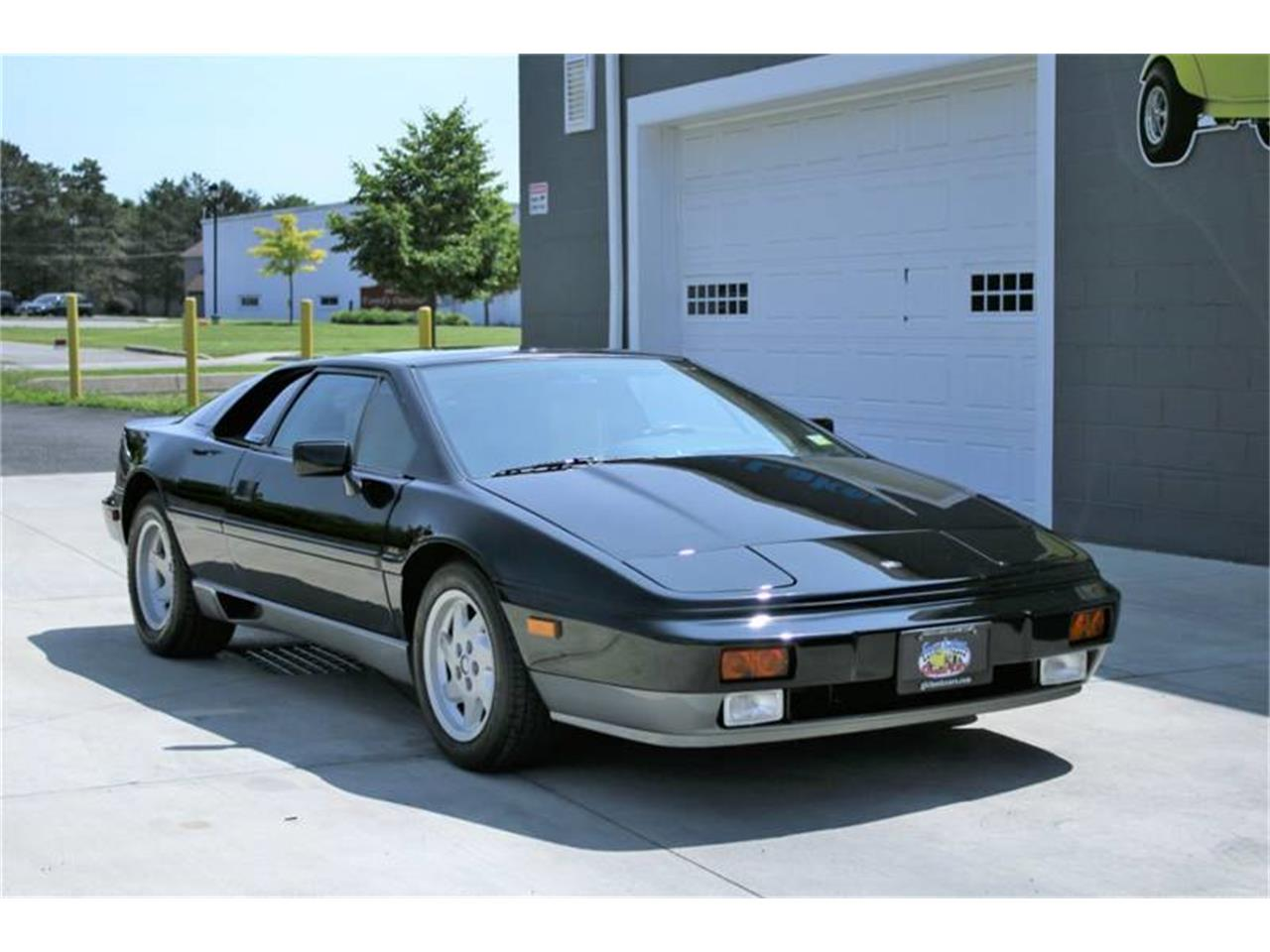 Large Picture of '88 Esprit Offered by Great Lakes Classic Cars - QE3Z