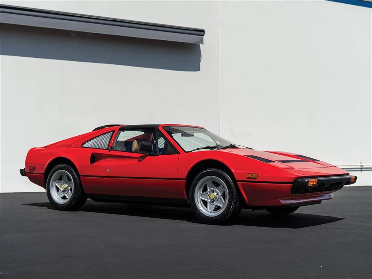 Large Picture of '85 308 GTS located in California Auction Vehicle Offered by RM Sotheby's - QE4M