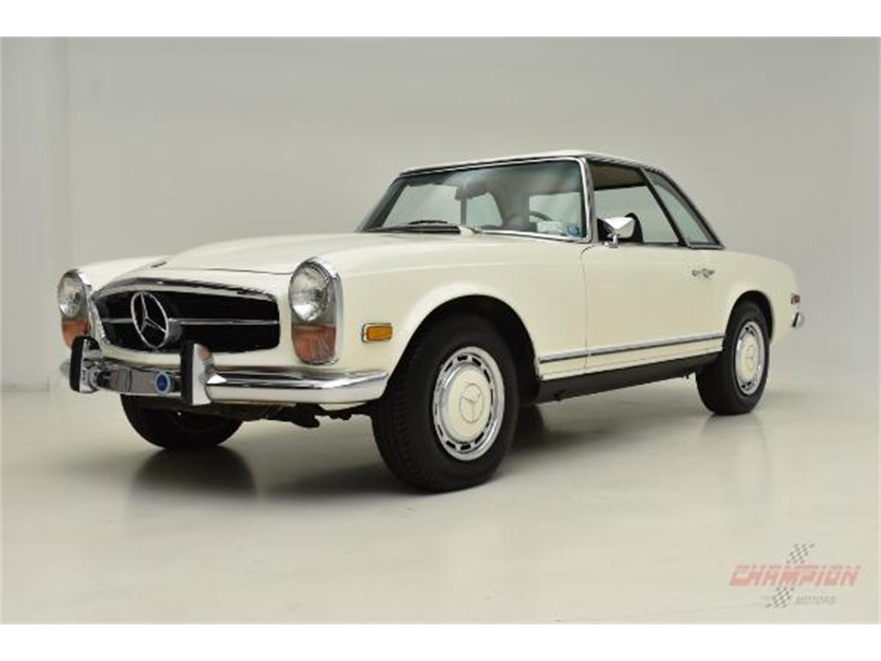 Large Picture of 1971 Mercedes-Benz 280SL located in Syosset New York - $79,500.00 Offered by Champion Motors International - QE4X