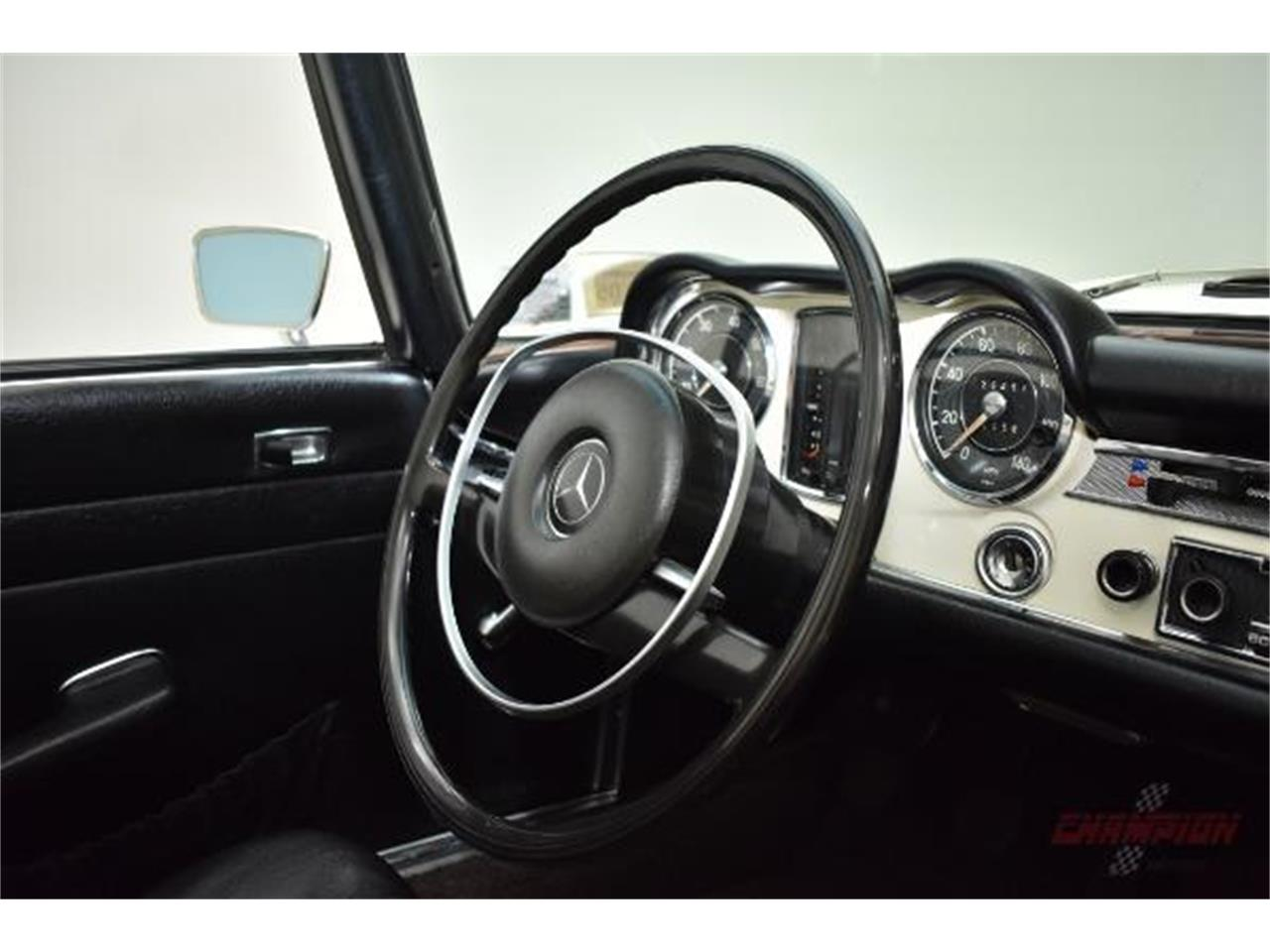 Large Picture of Classic 1971 Mercedes-Benz 280SL located in New York - QE4X
