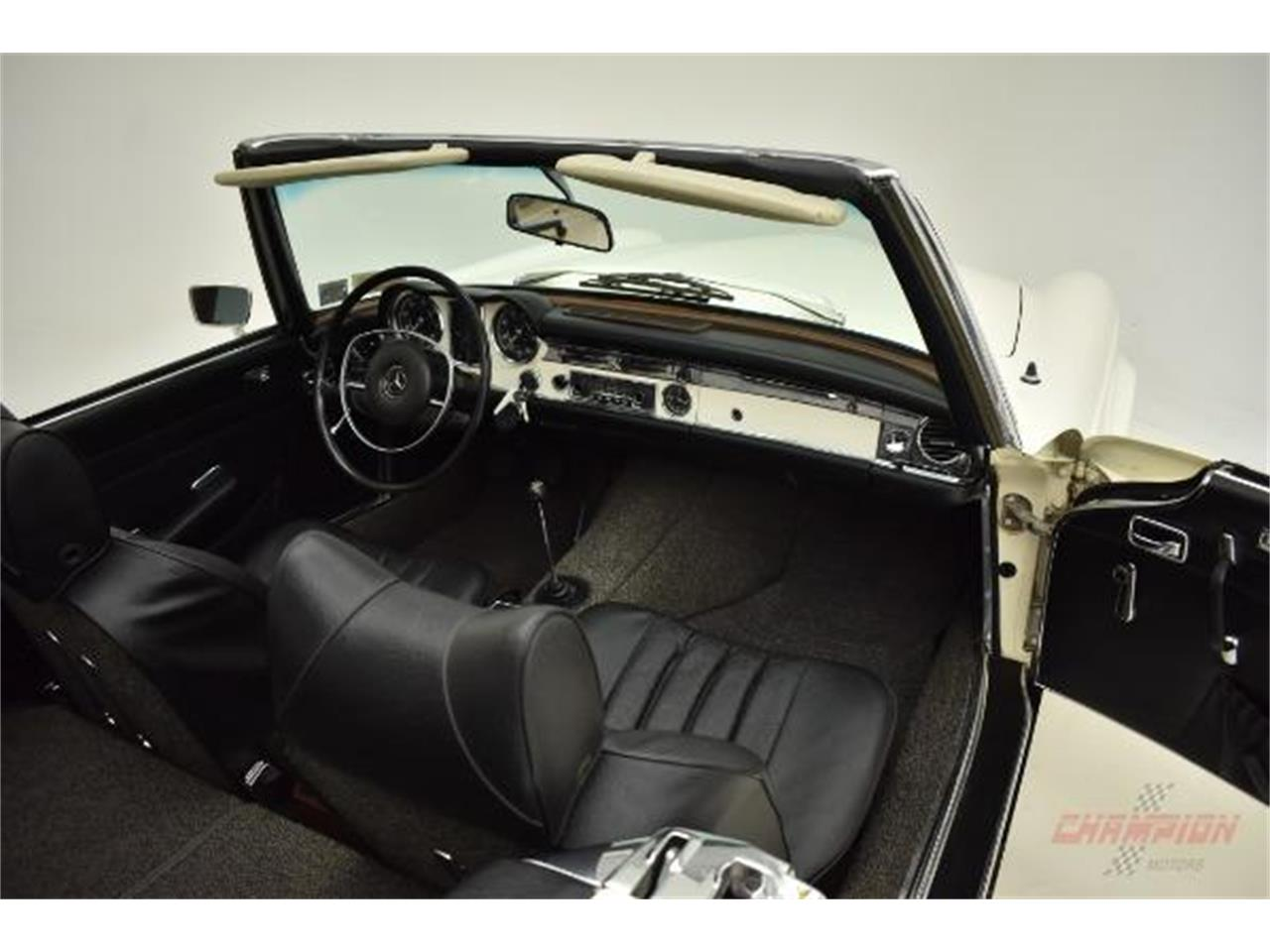 Large Picture of 1971 Mercedes-Benz 280SL located in New York - $79,500.00 Offered by Champion Motors International - QE4X