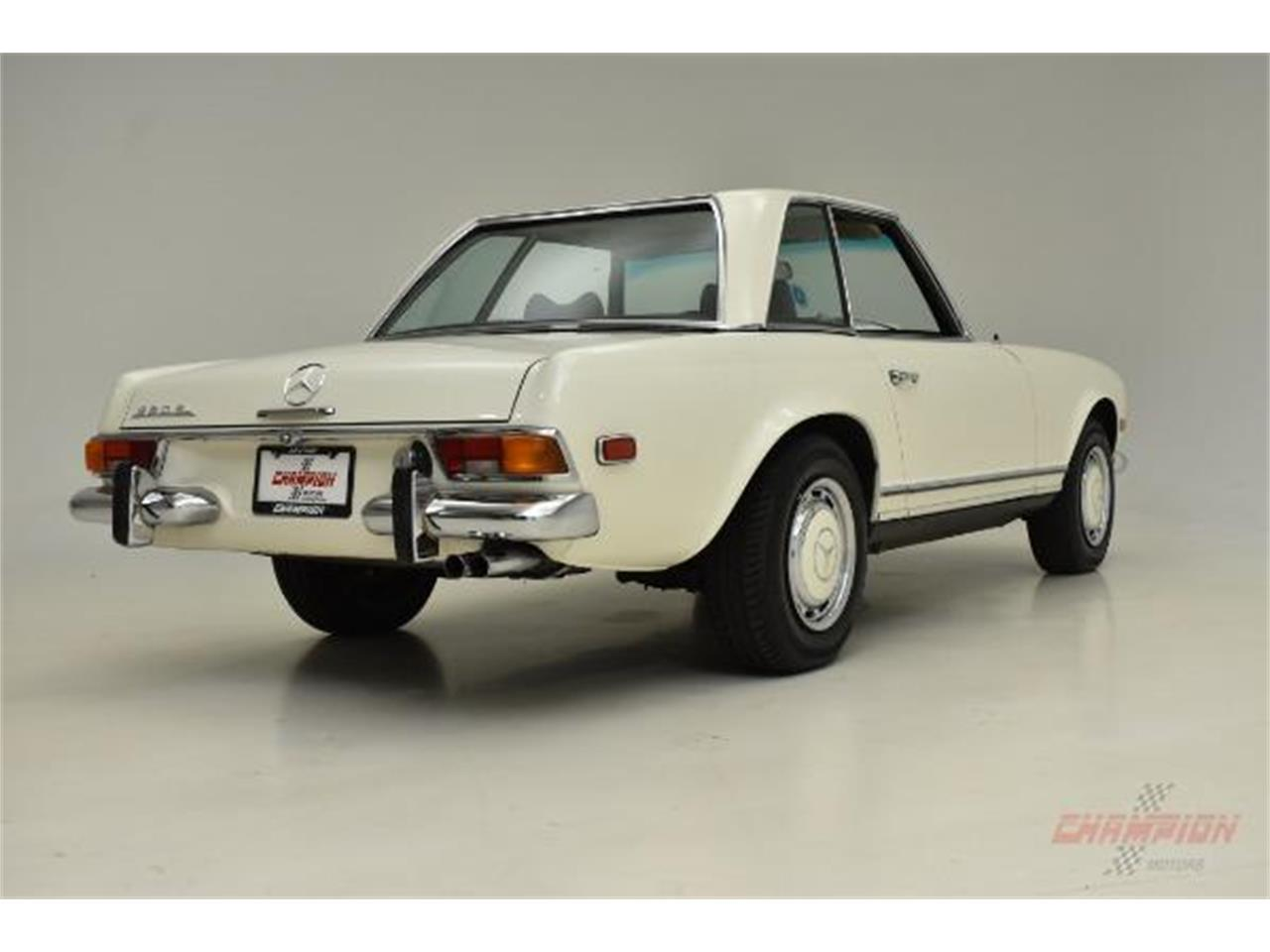 Large Picture of '71 Mercedes-Benz 280SL located in Syosset New York - $79,500.00 - QE4X