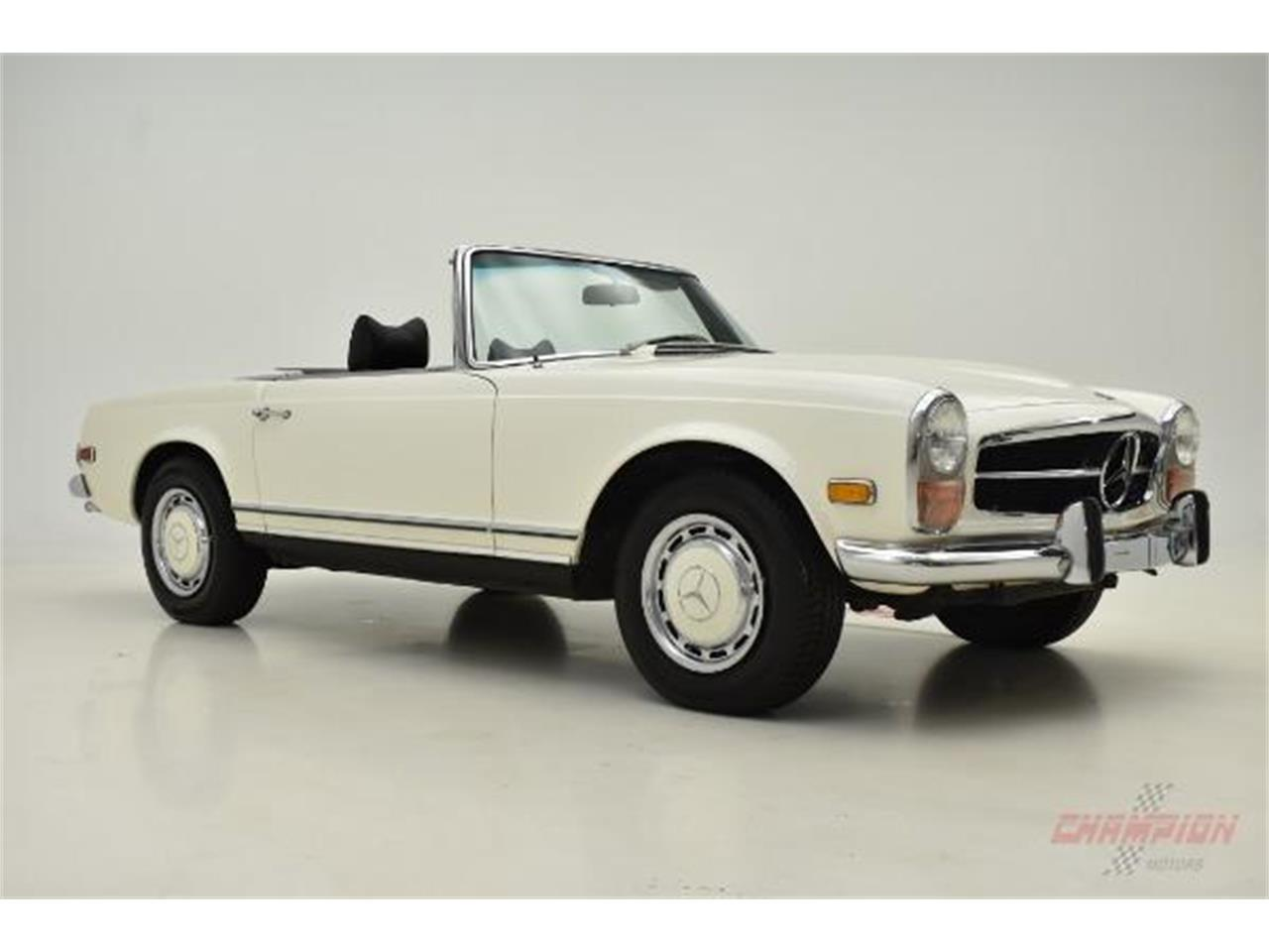 Large Picture of Classic 1971 Mercedes-Benz 280SL located in Syosset New York - $79,500.00 - QE4X