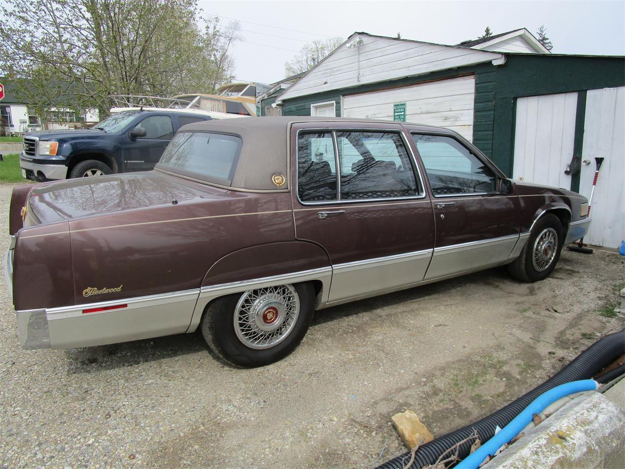 Large Picture of '89 Fleetwood located in Woodstock Ontario Offered by a Private Seller - QE5O