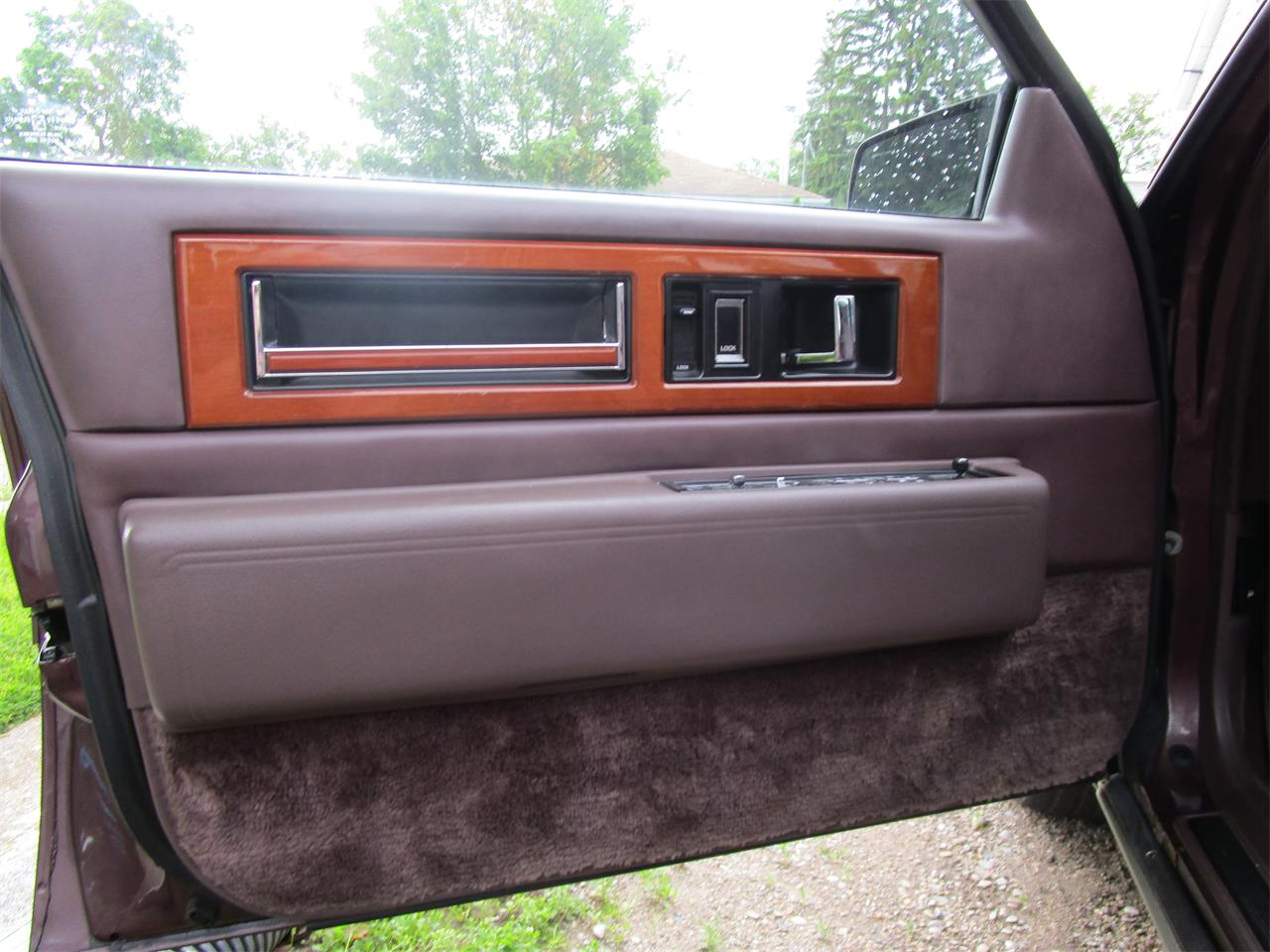 Large Picture of '89 Cadillac Fleetwood - $5,900.00 Offered by a Private Seller - QE5O
