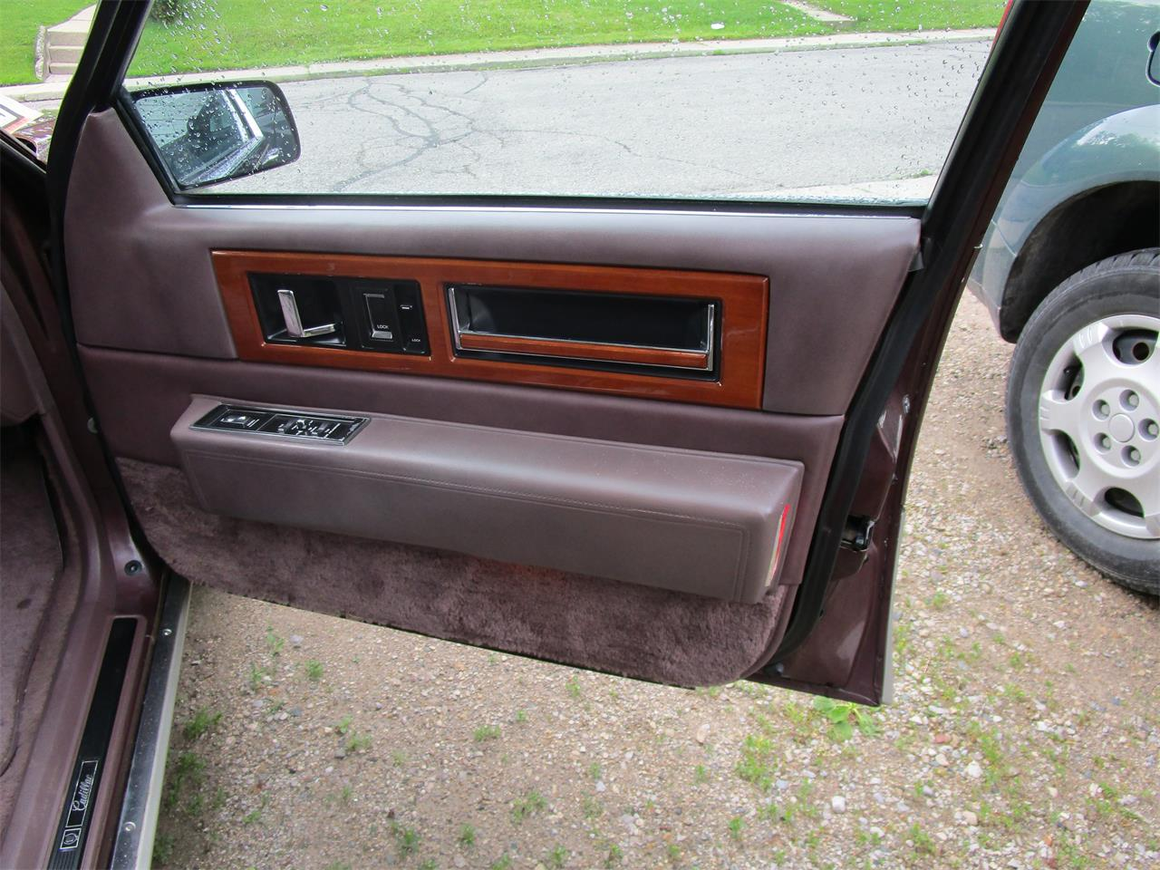 Large Picture of 1989 Cadillac Fleetwood - $5,900.00 Offered by a Private Seller - QE5O